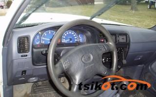 cars_9019_toyota_hilux_2005_9019_3