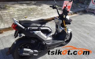 motorbikes_14437_honda_zoomer_2016_14437_2