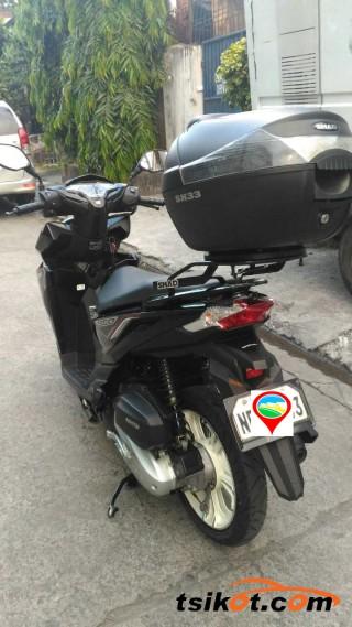 motorbikes_16844_honda_125_2015_16844_4