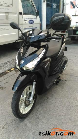 motorbikes_16844_honda_125_2015_16844_5