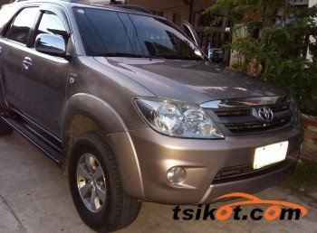 cars_11128_toyota_fortuner_2006_11128_1