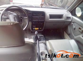 cars_13971_isuzu_d_max_2003_13971_1