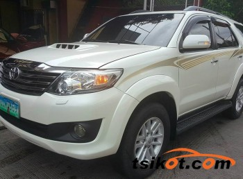 cars_14102_toyota_fortuner_2013_14102_1