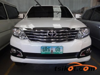 cars_16615_toyota_fortuner_2012_16615_1