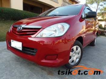 cars_16692_toyota_innova_2012_16692_1