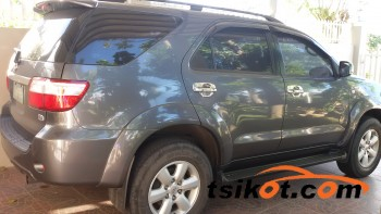 cars_17225_toyota_fortuner_2010_17225_1