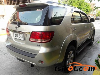 cars_17651_toyota_fortuner_2007_17651_1
