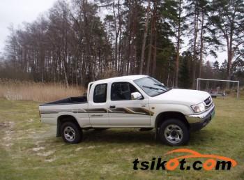 cars_9019_toyota_hilux_2005_9019_1