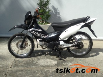 motorbikes_14850_honda_xrm_125_motard_2015_14850_1